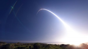 Lanzamiento de un misil Minuteman III desde la base aérea de Vandenberg